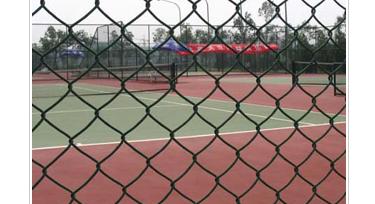 体育场护栏网的安装施工