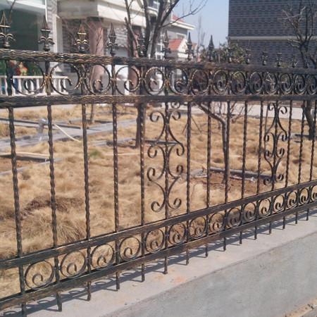 别墅铁艺护栏 螺纹钢型