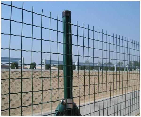 波形护栏网