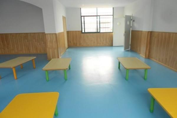 室内幼儿园地板