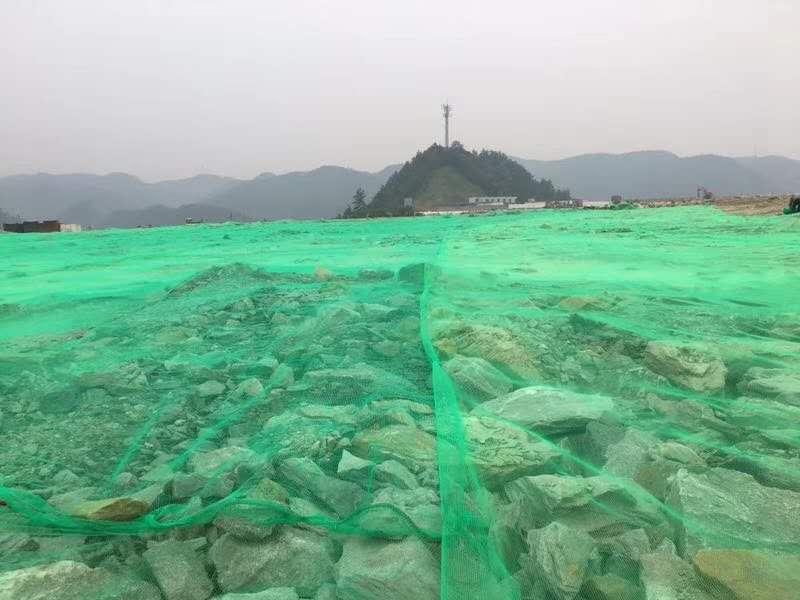 盖土防尘工程,盖土网,防尘网为环保做了很大贡献