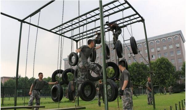 渡海登岛400米轮胎攀台,部队训练器材,特警五项