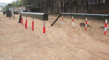 部队400米障碍-独木桥,部队训练器材,特警五项